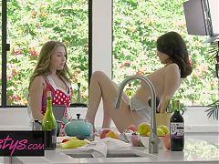 When Girls Play - Jade Baker , Lena Paul - Cooking Show