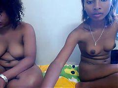 2 belles malgaches en show