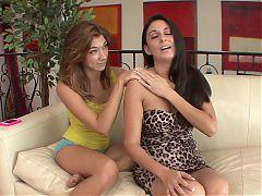 SEXYMOMMA - MILF Nikki Daniels seduced with teen lesbo oral