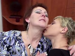 Daughters fucks and piss on mature mom
