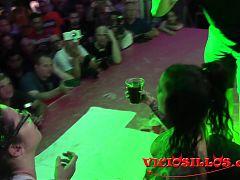 Yemaya Gonzalez y Zenda Sexy lesbico con chocolate SEB 2018